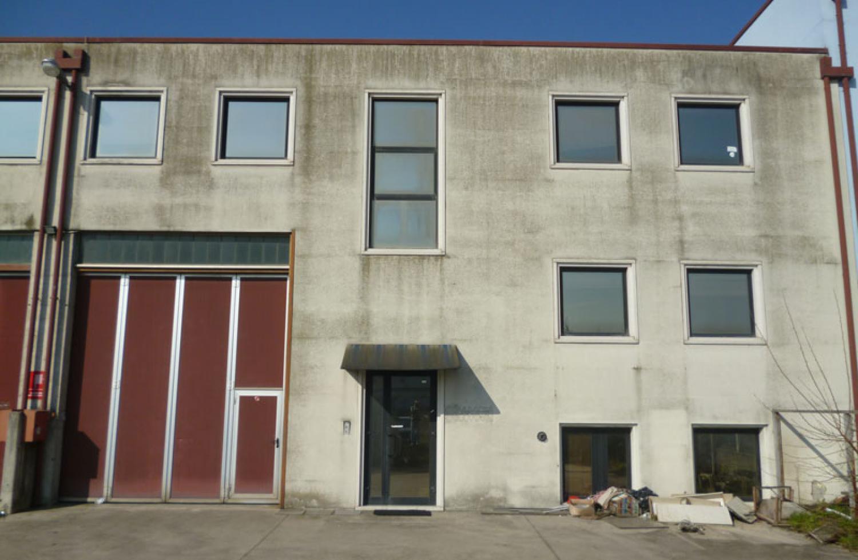 Manutenzione straordinaria di un edificio produttivo - Prima dell'intervento
