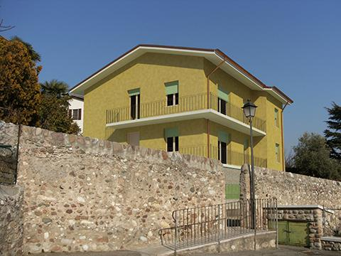 Ristrutturazione di un edificio residenziale bifamiliare - Cavaion Veronese (Vr)
